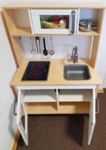 Die Ikea Spielküche mit viel Stauraum