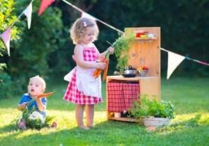 Matschküche für den Garten (depositphotos.com)