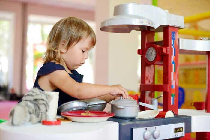 Spielküche aus Kunststoff (depositphotos.com)