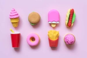Fast Food Lebensmittel für die Kinderküche (depositphotos.com)