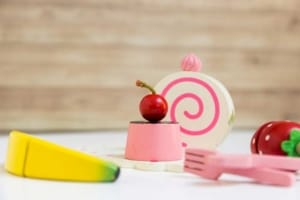 Zubehör für die Kinderküche aus Holz (depositphotos.com)